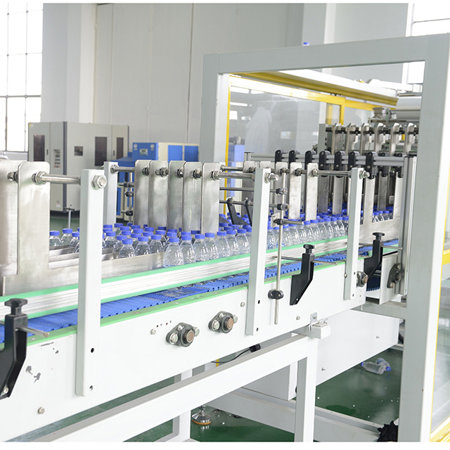 Linear Type PE Film Shrink Wrapping Machine