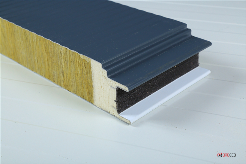 Polyurethane-Sandwich-Panels-BRDECO.JPG