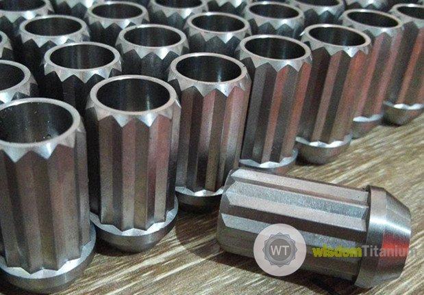 12 point titanium lug nut 40mm.