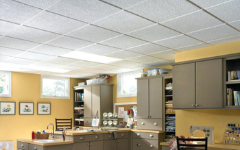 What are the advantages of aluminum panels in the ceiling decoration?