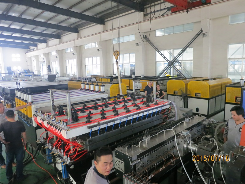 PP PE hollow sheet extrusion line